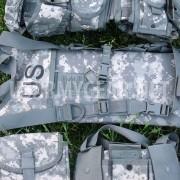 US Army New ACU Water Hydration Carrier + 3 L Bladder Bag Back Pack USGI System
