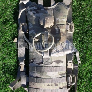 New US Army Multicam Water Hydration Carrier + 3 L Bladder Bag, Backpack